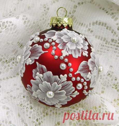 Декорирование и роспись новогодних шаров