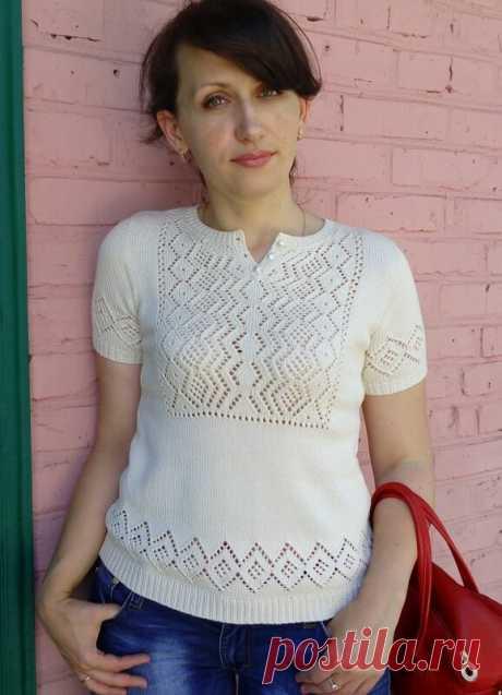 Пуловер с ажурной вставкой в этно стиле