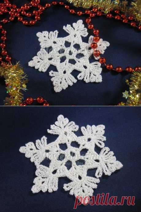 Los copos de nieve hacia el Nuevo año por el gancho. La Clase maestra con poshagovymi la foto
