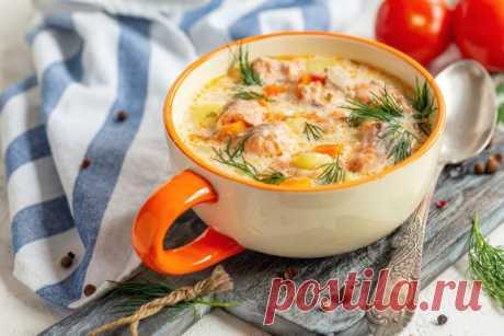 Как приготовить вкусный суп из семги от Шефмаркет Очень популярным первым блюдом считается суп из семги, рецепт подразумевает приготовление наваристого бульона из головы, хвостовой части и хребта.