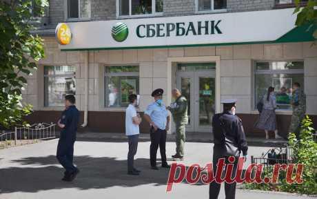 Захватившего заложников в банке в Тюмени признали нуждающимся в лечении. Судебно-психиатрическая экспертиза признала нуждающимся в лечении мужчину, который захватил заложников в банке Тюмени в июле.