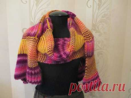 Очень теплый шарф И снова здравствуйте! Вот ещё хочу показать одну вещичку, связанную для любительницы ярких расцветок, а также больших и длинных шарфов) Общий вид: Пряжа: турецкая Magic Fantasy шерсть с акрилом 100 гр/134 м розовый-лиловый-фиолетовый и китайский Белый Леопард шерсть, австралийский кашемир(!) и…