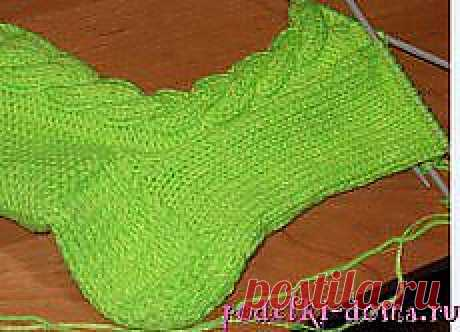 Как вязать носки с косой (спицами)   (: креатифф на дому :)