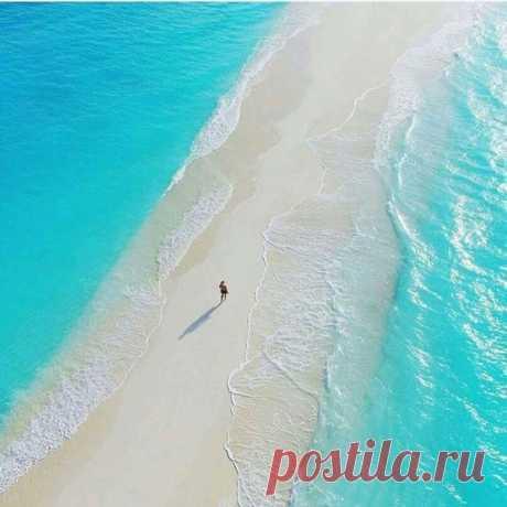 Белая полоса в жизни должна выглядеть так. Мальдивы.