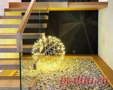 Лестница консольная и перила из стекла