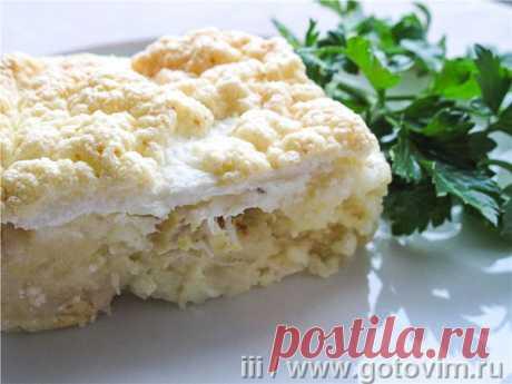 Картофельная запеканка с рыбой под белковой шапкой. Рецепт с фото Если после праздников остается всего понемногу - картофельное пюре, тушеные овощи, запеченная рыба, то вполне можно собрать из этих продуктов аппетитную запеканку. Блюдо получается сбалансированным и вполне подойдет для домашнего обеда.