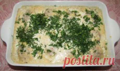 Тефтели в молочно-сырном соусе Блюда, приготовленные в духовке, не только вкусны, но и полезны. Предлагаю вашему вниманию одно из таких блюд — тефтели в молочно-сырном соусе.   Ингредиенты: — Фарш смешанный — 500 гр.;— Рис отваренн…