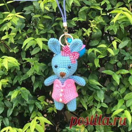 Брелок с кроликом амигуруми без выкройки платья - Amigurumi