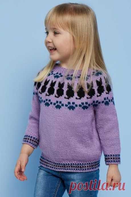Детский джемпер спицами Pretty Kitty,  Вязание для детей Кошечки и следы от их лапок украшают детский пуловер с круглой кокеткой. Размеры: Для возраста 3 месяца (6 месяцев, 12 месяцев, 18 месяцев, 2 года, 4