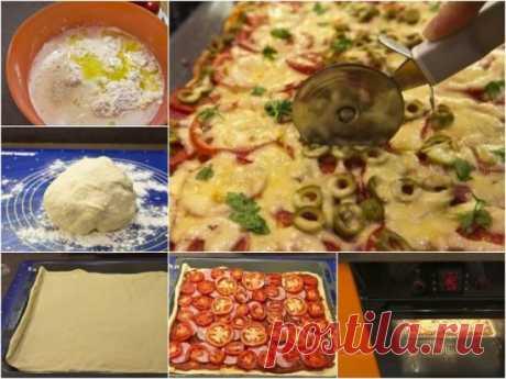 Пицца на противне в духовке  Такая пицца может подаваться горячей, также ее вполне можно брать с собой на работу или учебу в качестве перекуса в холодном виде.  Из такого количества ингредиентов получается целый противень вкусной пиццы, это значит, что вы сможете накормить ею всю семью и гостей.  Ингредиенты:  Мука — 750 Грамм  Дрожжи — 11 Грамм  Сахар — 1 Ст. ложка  Соль — 1 Чайная ложка  Масло оливковое — 3 Ст. ложки  Паста томатная — 3 Ст. ложки  Помидоры — 3 Штуки  Колбаса/ветчина — 400 Г
