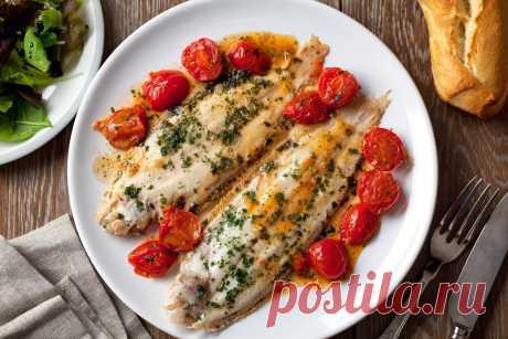 Рыба в чесночно–сливочном соусе: готовится быстро, съедается еще быстрее! | Вкусные рецепты