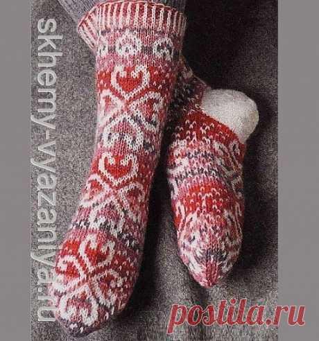 Схема вязания: носки с сердцами из секционной пряжи - схема вязания спицами