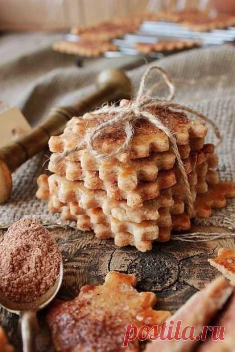 Швейцарское хрустящее печенье с корицей.