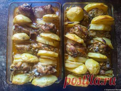 Курица получится вкуснее, если перед запеканием её правильно замариновать  Предлагаем вам пошаговый рецепт того, как замариновать куриное филе и чтобы оно осталось сочным и мягким. Этот способ подходит и для запекания куриных голеней, бедер или других частей птицы. Сочная и вкусная курочка с хрустящей корочкой в духовке - это очень просто! Чтобы приготовить вкусную курочку, не обязательно идти в дорогие ресторан или кафе. Очень вкусная курочка в духовке получается при использовании простых и д…