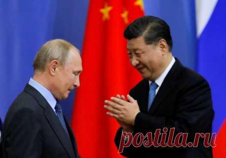 Китай отказался выполнять контракт с «Газпромом»   Капитал страны Китай в пух и прах разбил «голубые мечты» Кремля о развороте сырьевой экономики России на Восток. С 2014 года российская сторона строила дорогостоящий газопровод «Сила Сибири» в Китай, чтобы в первый же год его запуска продать по нему чуть больше половины объема, оговоренного в контракте. Текущие поставки не окупают и без того проблемный газопровод, но Китай не спешит «брать или платить» по контракту – Москв...