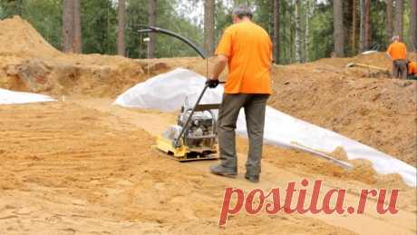 Трамбовка песчаной подушки под фундамент: способы
