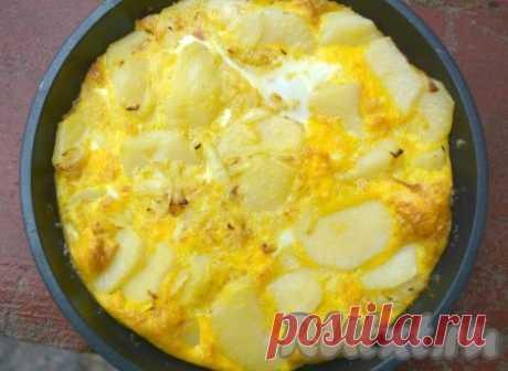 Картофельная тортилья.