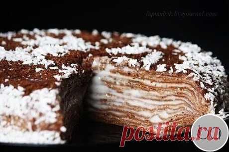 Блинный торт  - 4 ст.л. муки  - 4 ст.л. крахмала - 1 яйцо - 300 мл молока - 250 мл воды - шоколад - 50 грамм - какао - 3 ст.л. - соль, сахар по вкусу - 1 ст.л. растительного масла  - молоко - 0.5 л - сахар ванильный - 50 грамм - крахмал кукурузный или картофельный - 40 грамм  1. Все ингредиенты тщательно смешать, добавить растопленный шоколад. Готовить блины по 2-3 минуты с каждой стороны на антипригарной сковороде. 2. 400 мл молока довести до кипения. Отдельно смешать сах...