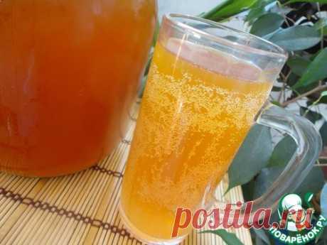 El kvas de pan con la miel y las pasas y la levadura para él - la receta de cocina