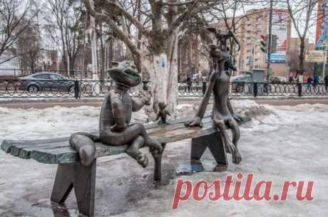 Памятники, возвращающие детство / Туристический спутник