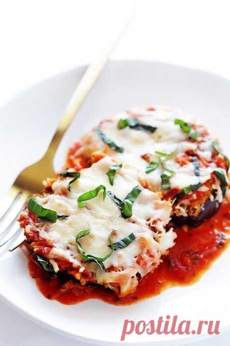 Баклажаны, запеченные с сыром и томатным соусом