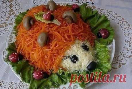 Красивый и вкусный салат «Ёжик» к новогоднему столу! Украсит любой праздник!