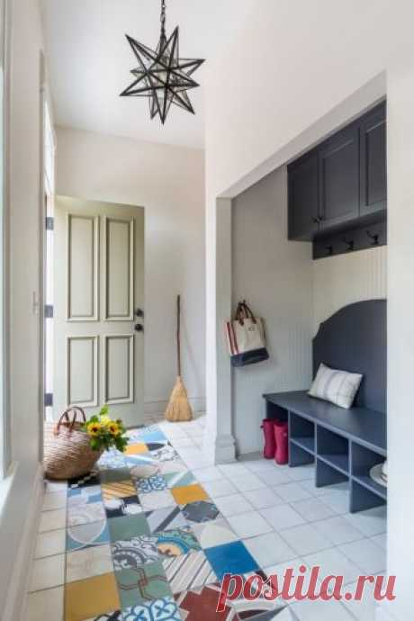 Finishing of a floor in a corridor a tile | Luxury and a cosiness