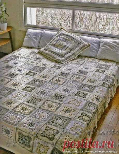 Плед и подушка из квадратных мотивов