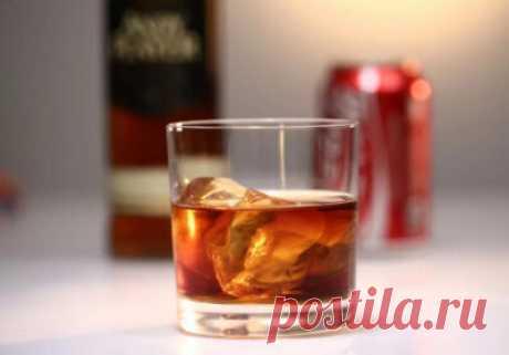 Как правильно пить виски с колой: пропорции, последовательность приготовления, рецепты - Onwomen.ru