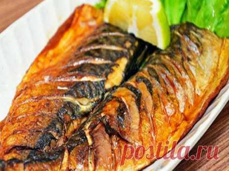 Скумбрия запеченная в духовке - очень вкусное блюдо, которое можно приготовить и на будничный обед, и на праздничный ужин.