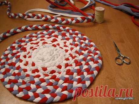 Простой способ изготовления коврика   Мастер класс.