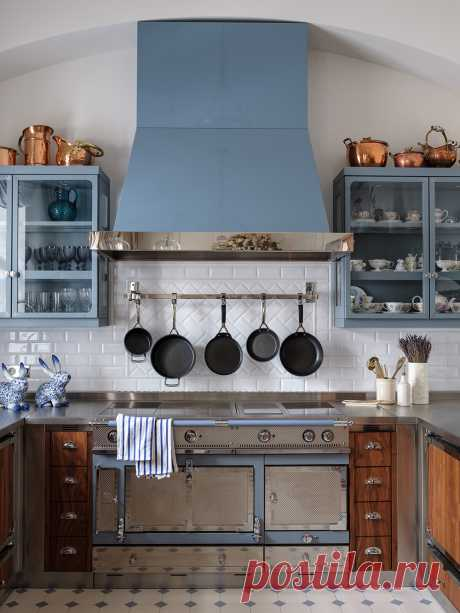 Голубой цвет на кухне: 25+ примеров