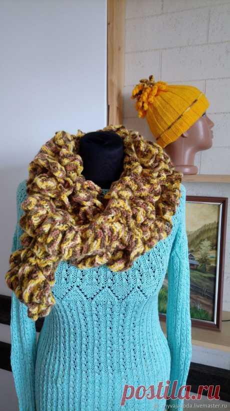 Вязаные шарф и шапка женские волна – купить на Ярмарке Мастеров – MDX40RU   Шарфы, Львов Вязаные шарф и шапка женские волна в интернет-магазине на Ярмарке Мастеров. Комплект вязаный зимний. Красивый аксессуар к зимним холодам. Вы сможете создать новый образ в холодное время. Шаф связан крючком, нити мохер меланж. Длина шарфа 240 см, ширина 10 см, скручивается. Шапка нити акрил с шерстью. Высота 20 см.