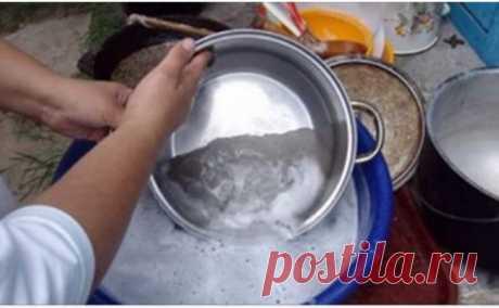 Даже старые бабушкины сковородки сверкают чистотой! Лучшее средство! Рецепт, который нужно обязательно сохранить и передавать по наследству! Я не узнала свои сковородки! Сложно поверить, но даже старые советские сковородки и кастрюли могут выглядеть очень красиво, будто только что из магазина! При этом вам не придется стирать руки от едких химических средств, рецепт довольно прост! Поверьте, результат вас сильно удивит! Обалденное средство для очистки […] Читай дальше на сайте. Жми подробнее ➡