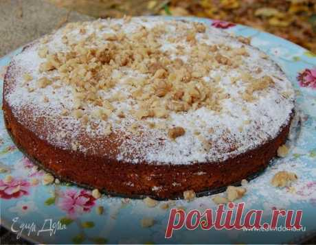Orange cake with nuts and honey. Ingredients: flour, oranges, sugar Instead of honey will approach maple syrup, and instead of oranges — lemons or grapefruit. The dried peel of a citrus can be not grated, and to cut off a knife and to chop small.