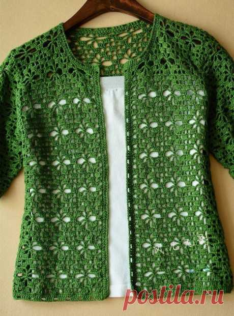 Openwork jacket a hook with a short sleeve. Jacket pattern spiders |