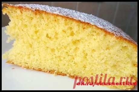 Пирог 12 ложек  Итальянский пирог 12 ложек отличается своей легкостью, отменным вкусом и простотой приготовления. С приготовлением такого пирога не возникнет никаких трудностей и не потребуются весы. Все измеряется ложками. Но самый главное, это вкус, он просто совершенен.  Ингредиенты: яйцо 3 шт. сахар 12 ст. л. (можно и чуть меньше) подсолнечное масло 12 ст. л. молоко 12 ст. л. мука 12 ст. л. разрыхлитель 7 гр. цедра и сок половины лимона по желанию сахарная пудра Пригот...