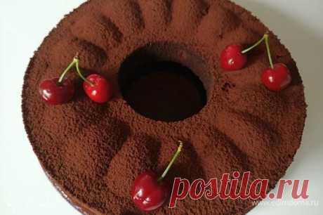 Шоколадный пирог с черешней . Ингредиенты: черешня, мука, какао-порошок