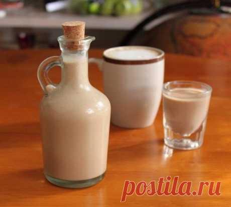 КРЕМ-ЛИКЁР Такого вы еще не пробовали!    ИНГРЕДИЕНТЫ: ● Растворимый кофе — 4 ч. л. ● Ванильный сахар — по вкусу ● Сгущенное молоко — 1 банка ● Водка — 500 мл ● Теплая вода — 300 мл ● Сахар — 250 г  ПРИГОТОВЛЕНИЕ: 1. Сахар растворить в воде. 2. Все ингредиенты хорошо перемешать в блендере, залить в бутылочку и поставить в холодильник. Можно употреблять сразу, а можно оставить до нужного события, только перед употреблением необходимо будет перемешать.