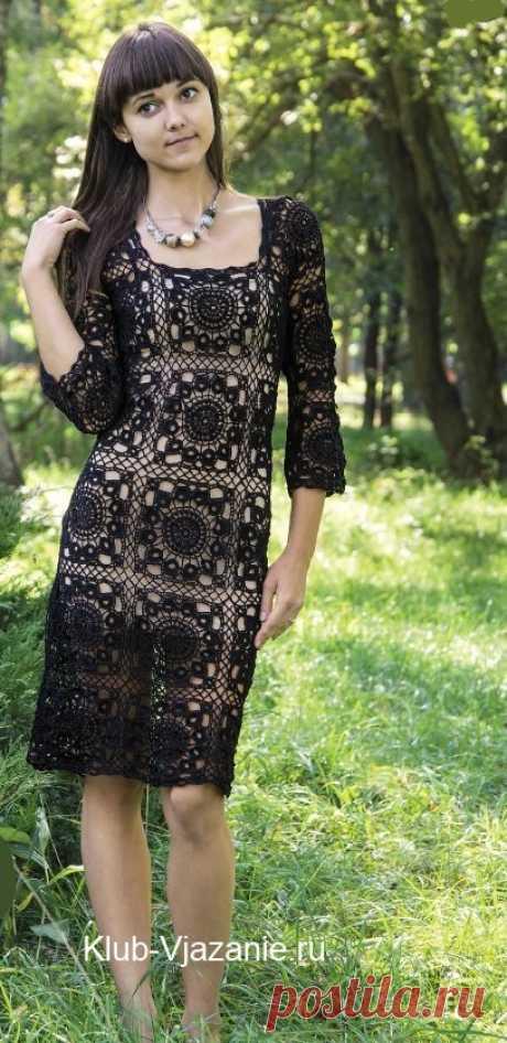 Черное платье из квадратов