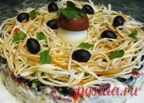 Праздничный салат с кальмаром