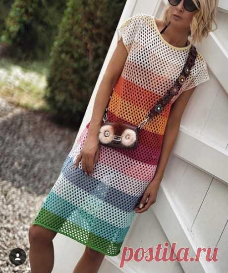 Вязаное платье. Узор сетка.