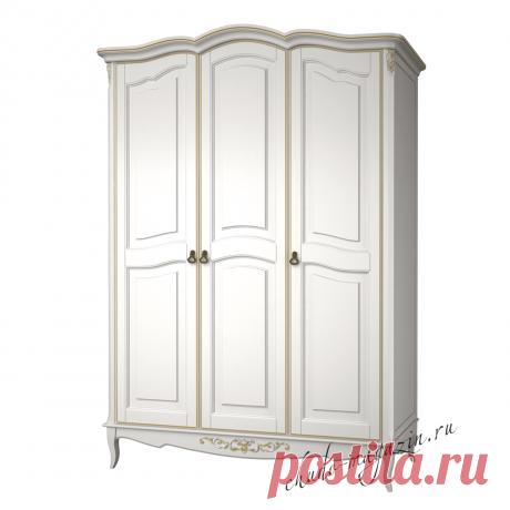 Распашной шкаф 3-х дверный из массива