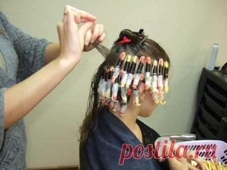 Какая бывает химическая завивка волос (42 фото): безопасная временная, безвредная, щадящая японская, видео-инструкция как сделать своими руками, технология, современные способы, история, какие выбрать препараты, фото и цена