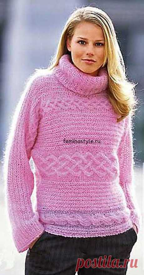 Розовый свитер, связанный поперек.