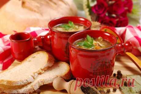 «Зимние» супчики — полезно, быстро и просто  Многие диетологи и сторонники здорового питания считают, что в зимнюю пору особенно важно включать в свой ежедневный рацион суп. Он помогает восстанавливать баланс жидкости в организме, предотвращает…