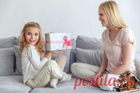 Неуместный и необдуманный детский подарок, пусть даже очень красивый и дорогой, может стать горьким разочарованием для малыша и большой проблемой для его родителей. Рассказываем, что не стоит дарить ребенку.