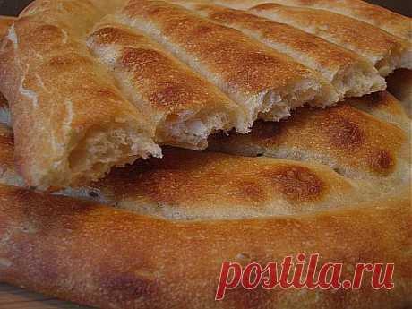 Матнакаш (армянский хлеб).