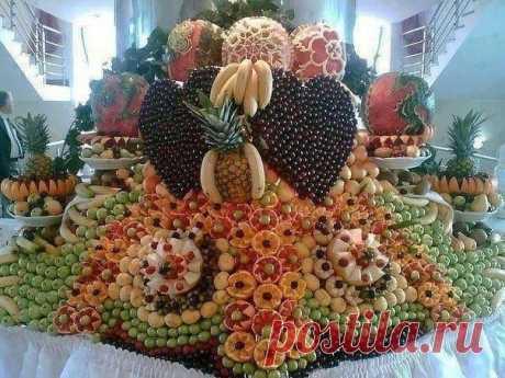украшение из фруктов для свадебного стола.
