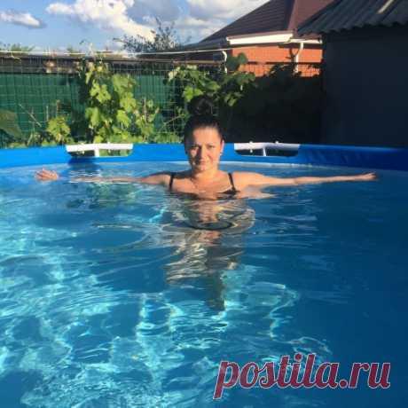 Olenenok: Жаркое лето! Я в бассейне как русалка плескаюсь в теплой водичке!